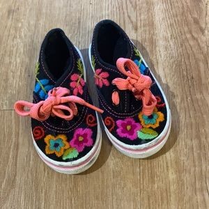 Floral Embroidered Toddler Shoes